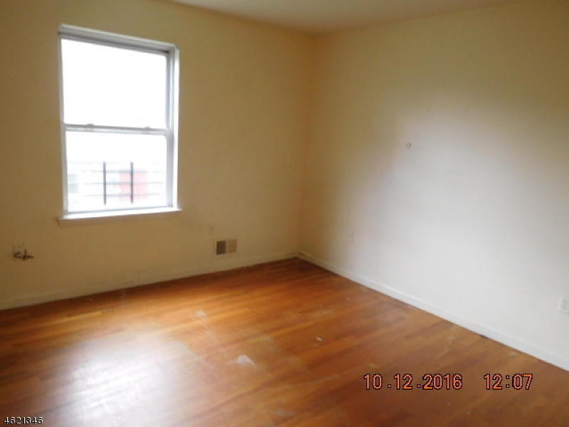 Additional photo for property listing at 91-93 CHADWICK Avenue  Newark, New Jersey 07108 United States