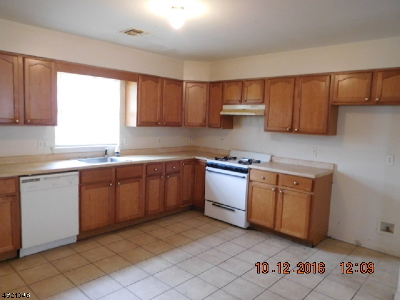 Additional photo for property listing at 91-93 CHADWICK Avenue  Newark, New Jersey 07108 États-Unis