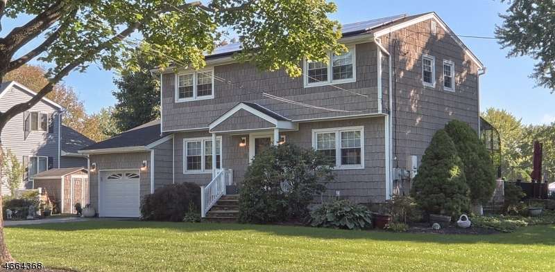 Частный односемейный дом для того Продажа на 11 Benjamin Place Pequannock, 07440 Соединенные Штаты