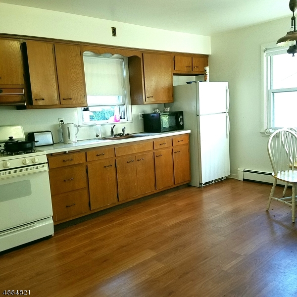 Additional photo for property listing at 84 Benjamin Street  Cranford, New Jersey 07016 United States