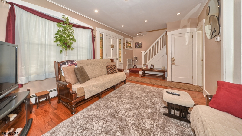 Additional photo for property listing at 169 E 8th Street  克利夫顿, 新泽西州 07011 美国