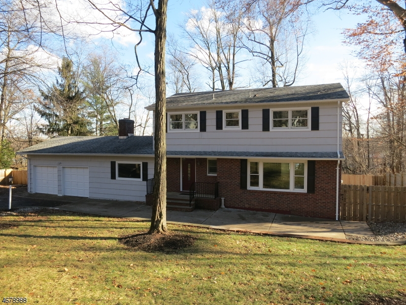 Частный односемейный дом для того Продажа на 49 Blue Ridge Avenue Dunellen, 08812 Соединенные Штаты