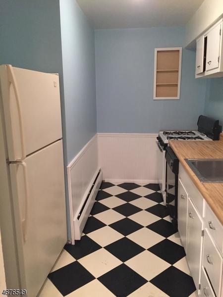 Частный односемейный дом для того Аренда на 53-87 ROSELAND AVE C0026 Caldwell, Нью-Джерси 07006 Соединенные Штаты