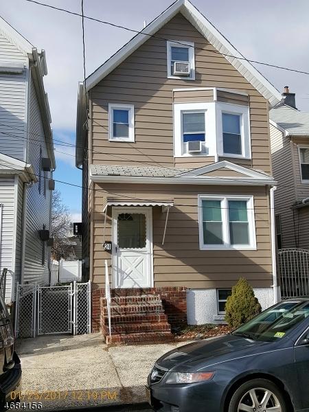 Частный односемейный дом для того Продажа на 21 Highland Avenue Kearny, Нью-Джерси 07032 Соединенные Штаты
