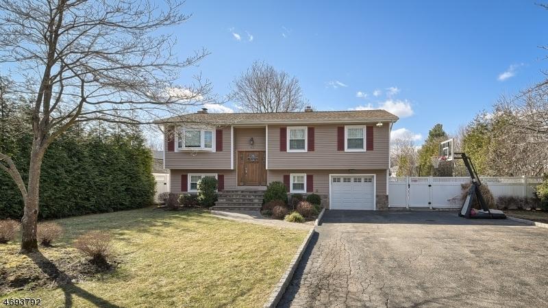 Casa Unifamiliar por un Venta en 42 Riverside Drive Pequannock, Nueva Jersey 07440 Estados Unidos