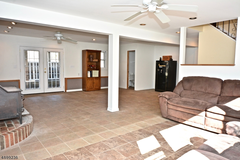 Additional photo for property listing at 7 Hampton Road  Kingwood, New Jersey 08867 États-Unis