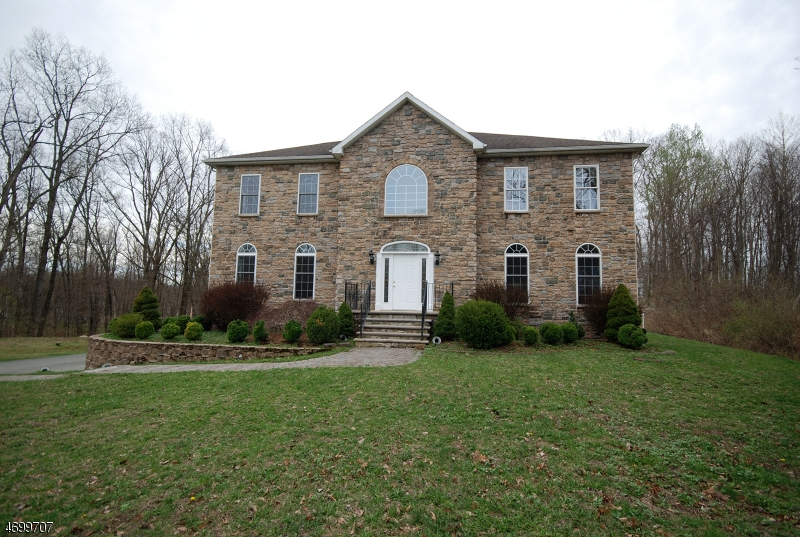 独户住宅 为 销售 在 3 Florence Drive Rockaway, 07885 美国