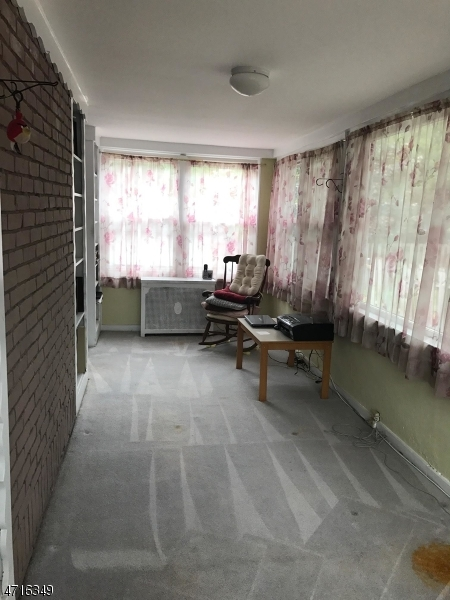 Additional photo for property listing at 111 Palisade Rd  Elizabeth, New Jersey 07208 United States