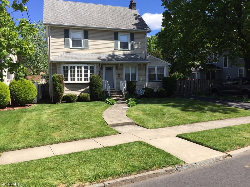 Single Family Home for Sale at 111 Palisade Rd Elizabeth, New Jersey 07208 United States
