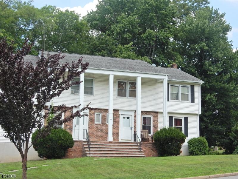 Casa Multifamiliar por un Venta en 1 Colby Court Lincoln Park, Nueva Jersey 07035 Estados Unidos