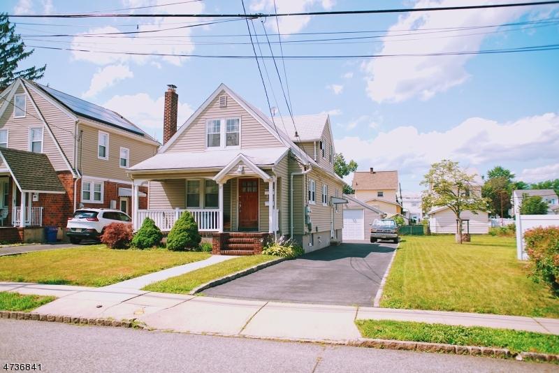 Casa Unifamiliar por un Alquiler en 10-12 BERKELEY Avenue Belleville, Nueva Jersey 07109 Estados Unidos