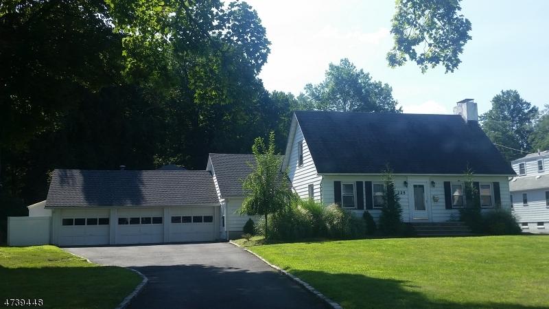 Частный односемейный дом для того Аренда на 225 Pompton Avenue Verona, Нью-Джерси 07044 Соединенные Штаты