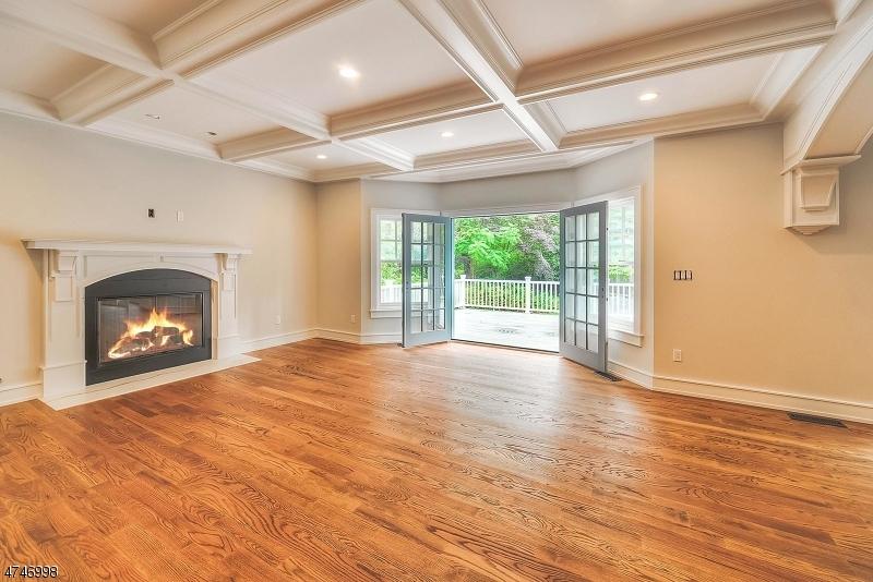 独户住宅 为 销售 在 129 Pollard Road Mountain Lakes, 新泽西州 07046 美国