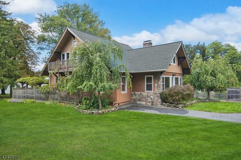 Maison unifamiliale pour l Vente à 109 Quaker Avenue Randolph, New Jersey 07869 États-Unis