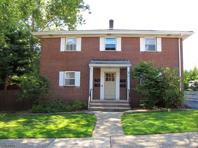 Maison unifamiliale pour l à louer à 45 River Edge Rd, 2 River Edge, New Jersey 07661 États-Unis