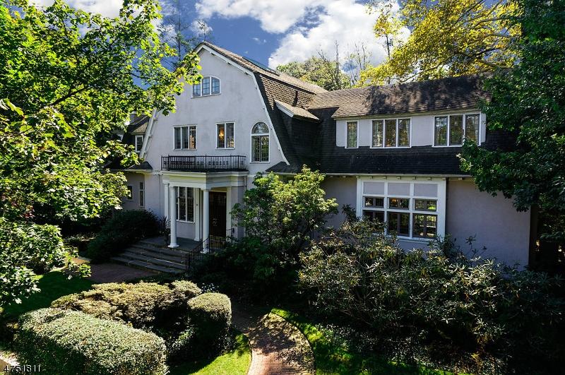 واحد منزل الأسرة للـ Sale في 54 Melrose Place 54 Melrose Place Montclair, New Jersey 07042 United States