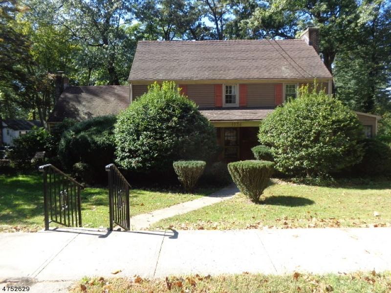 Частный односемейный дом для того Продажа на 1232-38 WOODLAND Avenue 1232-38 WOODLAND Avenue Plainfield, Нью-Джерси 07060 Соединенные Штаты