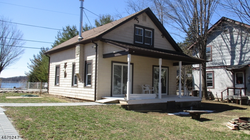 Single Family Home for Rent at 7A Pt Pleasant Road Hopatcong, New Jersey 07843 United States