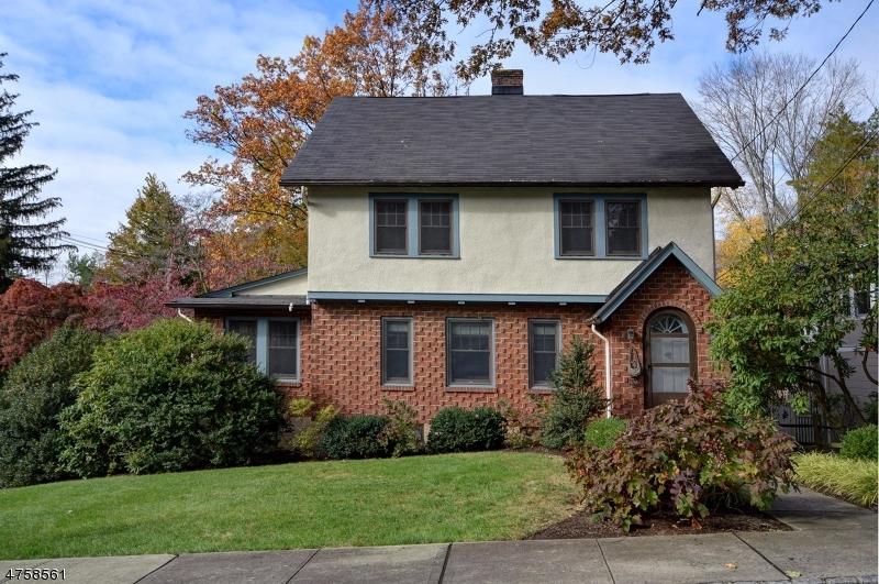 Μονοκατοικία για την Πώληση στο 27 JOHN GLENN Road 27 JOHN GLENN Road Morristown, Νιου Τζερσεϋ 07960 Ηνωμενεσ Πολιτειεσ