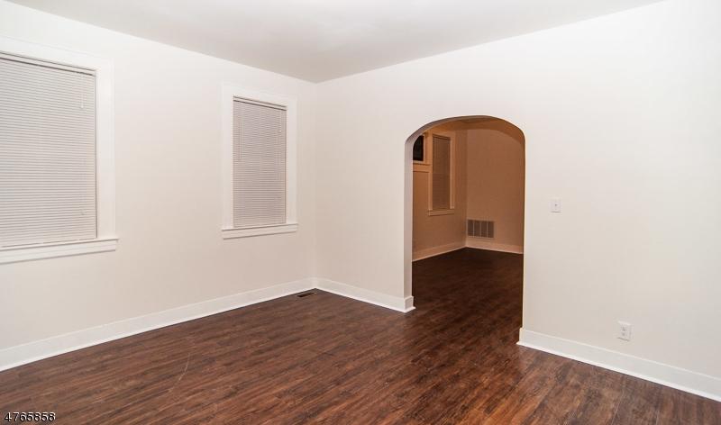 Частный односемейный дом для того Аренда на 324 Ashton Avenue Linden, Нью-Джерси 07036 Соединенные Штаты