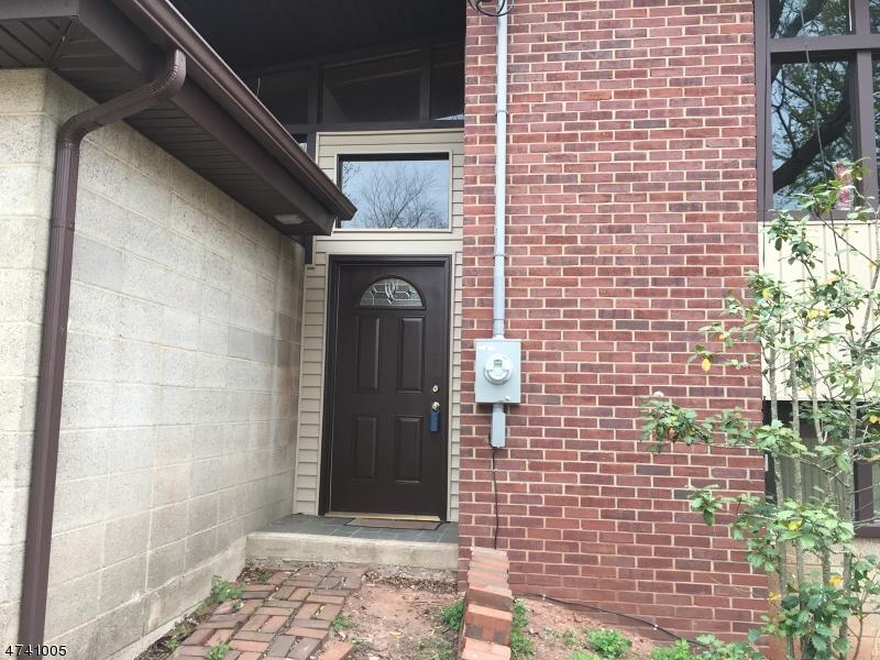 独户住宅 为 出租 在 40 Maple Ter 希尔斯堡, 新泽西州 08844 美国