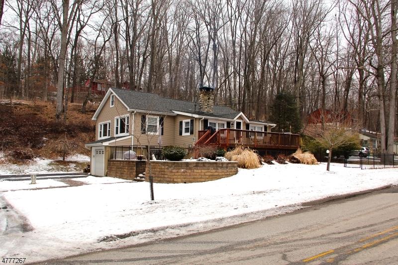 Частный односемейный дом для того Продажа на 921 Ridge Road Stillwater, Нью-Джерси 07860 Соединенные Штаты