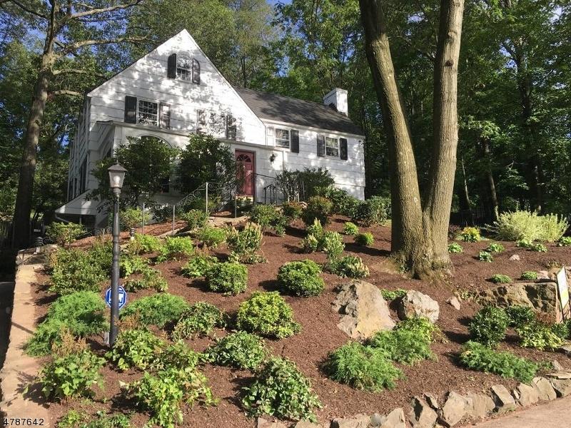 Частный односемейный дом для того Продажа на 15 Afterglow Avenue Verona, Нью-Джерси 07044 Соединенные Штаты