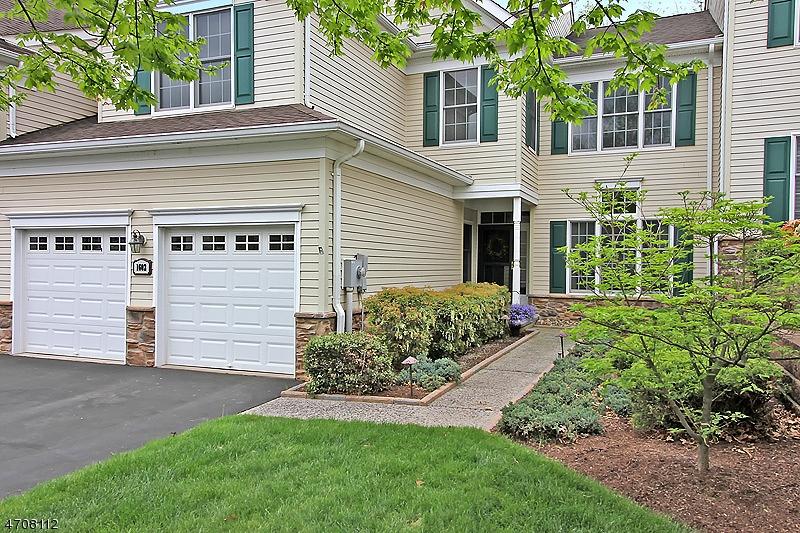 Condominio/ Casa de pueblo por un Alquiler en 1602 Farley Road Tewksbury Township, Nueva Jersey 08889 Estados Unidos
