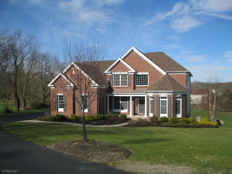 Частный односемейный дом для того Продажа на 37 High Ridge Lane Frankford Township, Нью-Джерси 07822 Соединенные Штаты