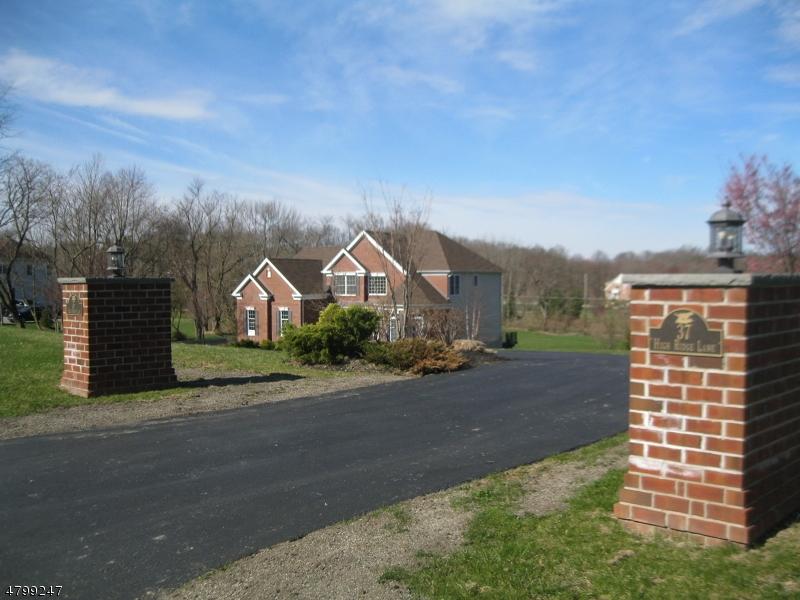 Einfamilienhaus für Verkauf beim 37 High Ridge Lane Frankford Township, New Jersey 07822 Vereinigte Staaten