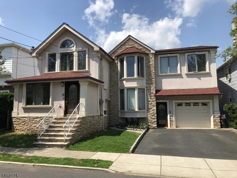 多户住宅 为 销售 在 133 Hamilton Avenue Lodi, 新泽西州 07644 美国