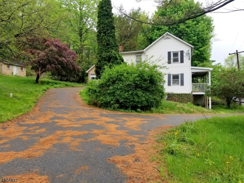 Single Family Home for Sale at 11 State Route 31 11 State Route 31 Oxford, New Jersey 07863 United States