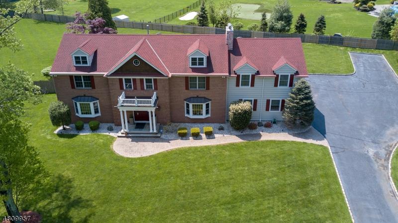 Частный односемейный дом для того Продажа на 1111 DONAMY GLN Scotch Plains, Нью-Джерси 07076 Соединенные Штаты