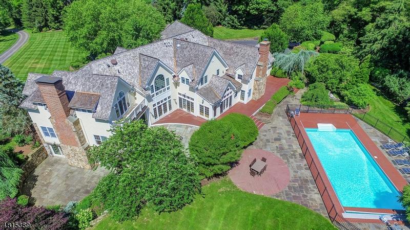Maison unifamiliale pour l Vente à 8 CROMWELL Lane Mendham, New Jersey 07945 États-Unis