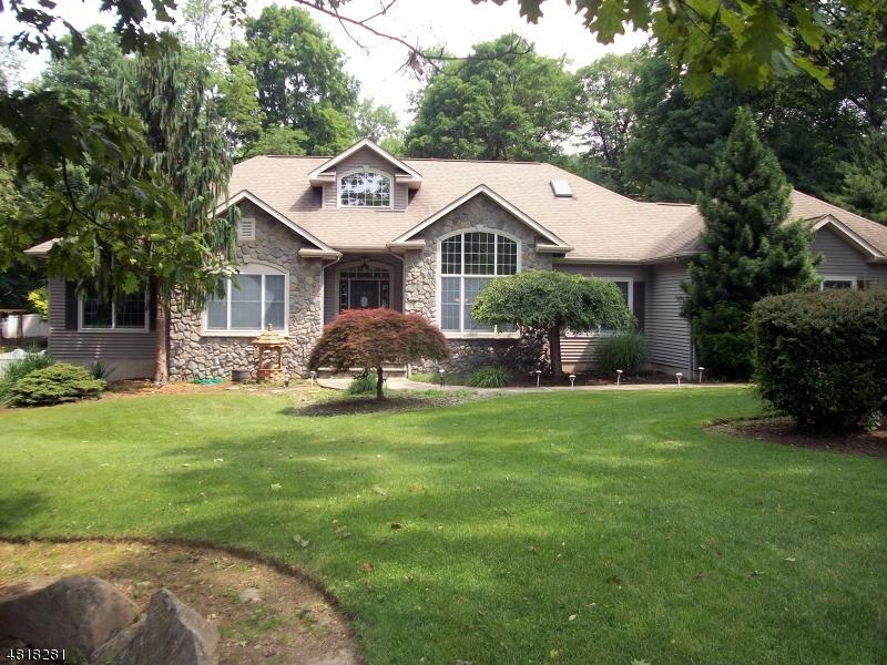 Villa per Vendita alle ore 16 STONE RIDGE Road Vernon, New Jersey 07461 Stati Uniti