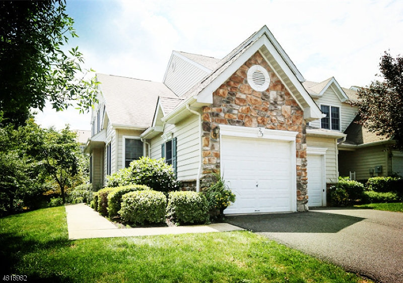 Кондо / дом для того Аренда на 253 PATRIOT HILL Drive Bernards Township, Нью-Джерси 07920 Соединенные Штаты