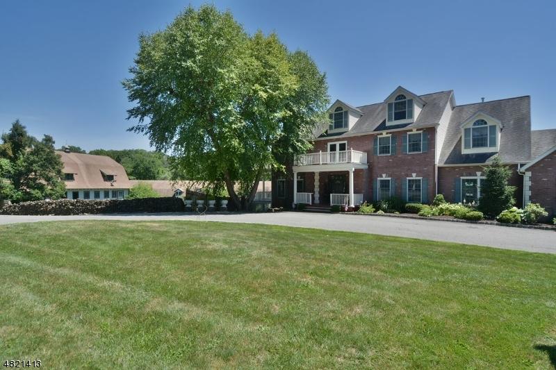 Maison unifamiliale pour l Vente à 88 PASSAIC VALLEY Road Montville, New Jersey 07045 États-Unis