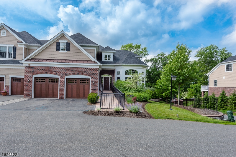 Condo / Townhouse for Sale at 22 WHEATSHEAF FARM Road Morris Township, New Jersey 07960 United States