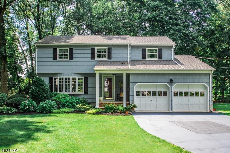 独户住宅 为 销售 在 200 GLEN Avenue 格伦洛克, 新泽西州 07452 美国