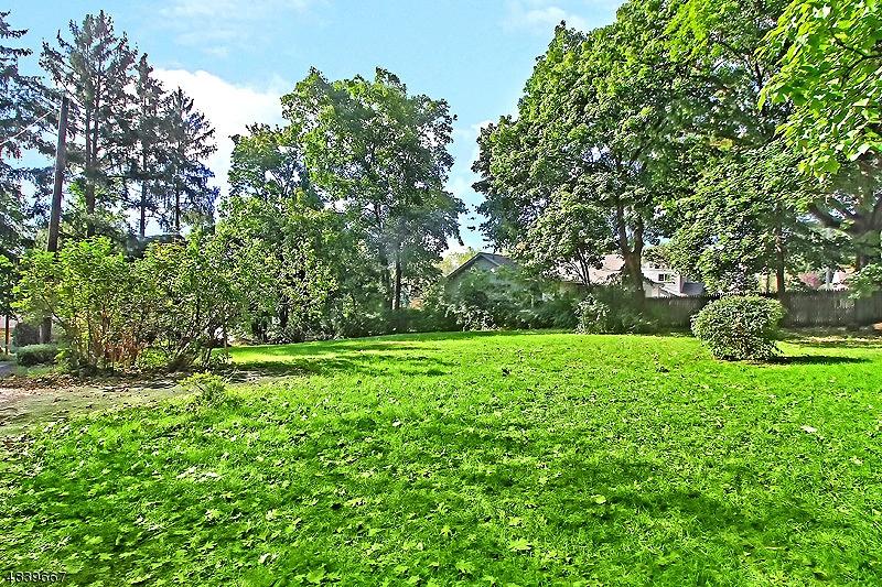 Property pour l Vente à 106 HAAS Road Bernards Township, New Jersey 07920 États-Unis