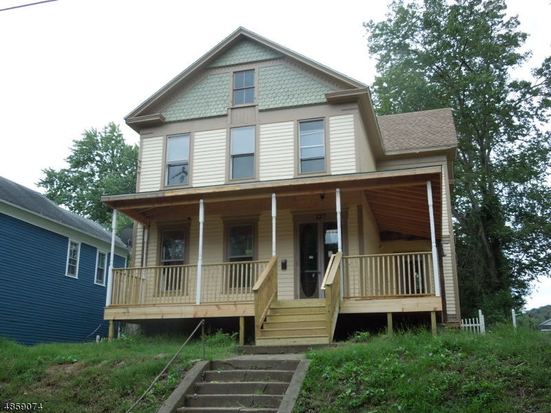 Single Family Home for Sale at 127 WALL Street Belvidere, New Jersey 07823 United States
