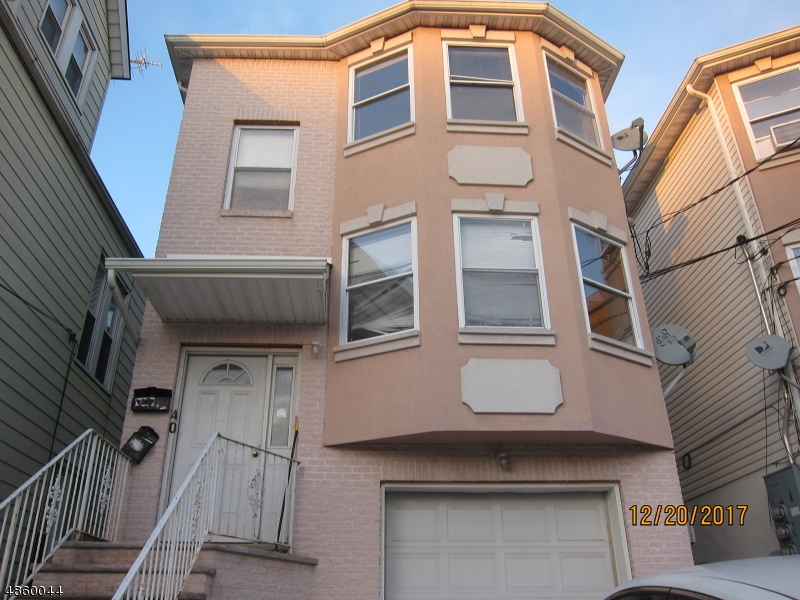 Maison avec plusieurs logements pour l Vente à 40 SHERMAN Avenue Harrison, New Jersey 07029 États-Unis
