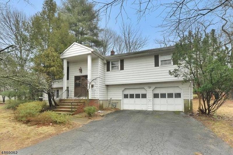 Частный односемейный дом для того Продажа на 181 PIERMONT Road Closter, Нью-Джерси 07624 Соединенные Штаты
