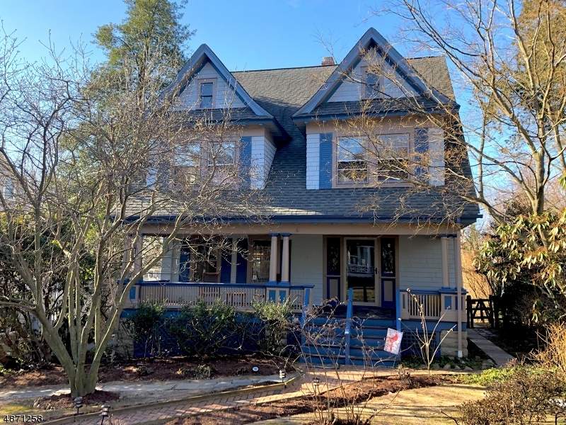 Single Family Home for Sale at 32 HICKORY Drive Maplewood, New Jersey 07040 United States