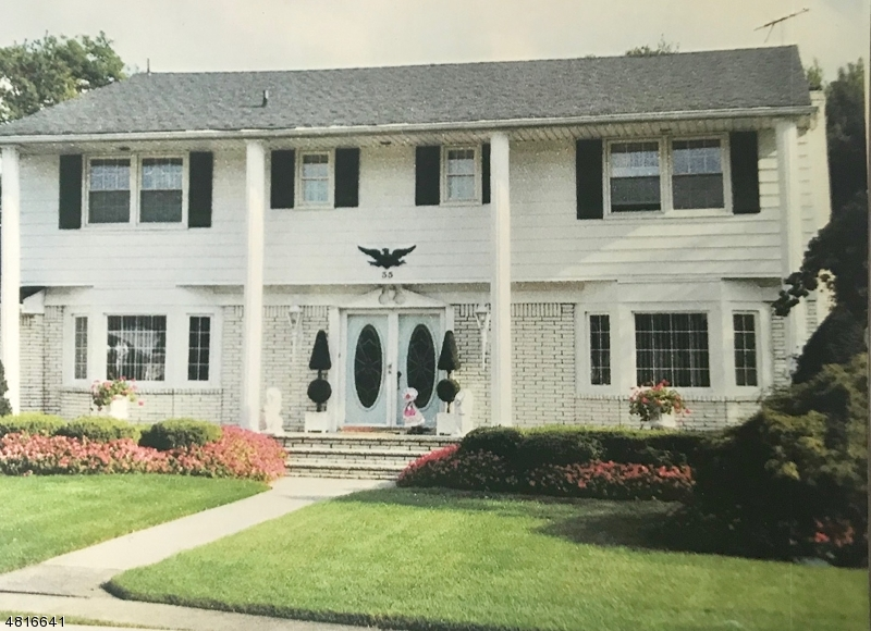Villa per Vendita alle ore 35 LEBEDA Drive Fairfield, New Jersey 07004 Stati Uniti