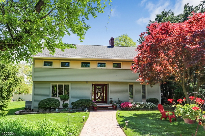 Single Family Home for Sale at Cranford, New Jersey 07016 United States