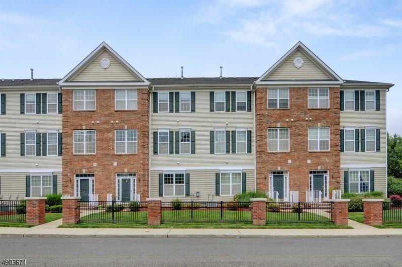 Condo / Townhouse pour l Vente à South Bound Brook, New Jersey 08880 États-Unis