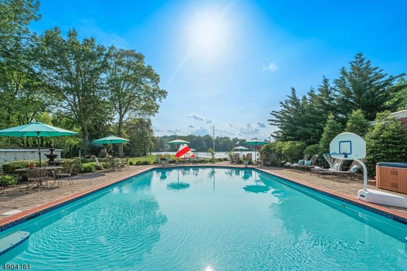 single family homes per Vendita alle ore Wayne, New Jersey 07470 Stati Uniti