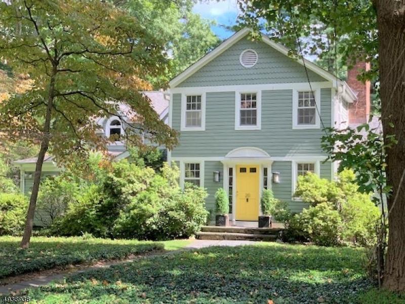 Single Family Homes 為 出售 在 Roseland, 新澤西州 07068 美國