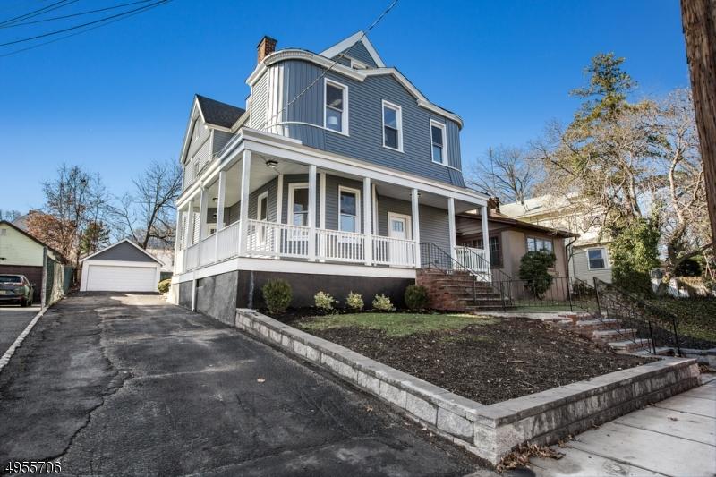 Single Family Homes pour l Vente à Orange, New Jersey 07050 États-Unis